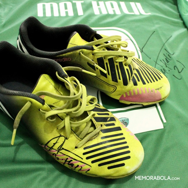 Sepatu Mat Halil, salah satunya ketika melakoni laga Anniversary ke-88 Persebaya Surabaya.